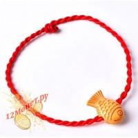 Красная нить с рыбкой