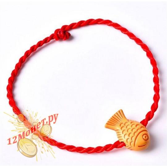 Красная нить с рыбкой на руку