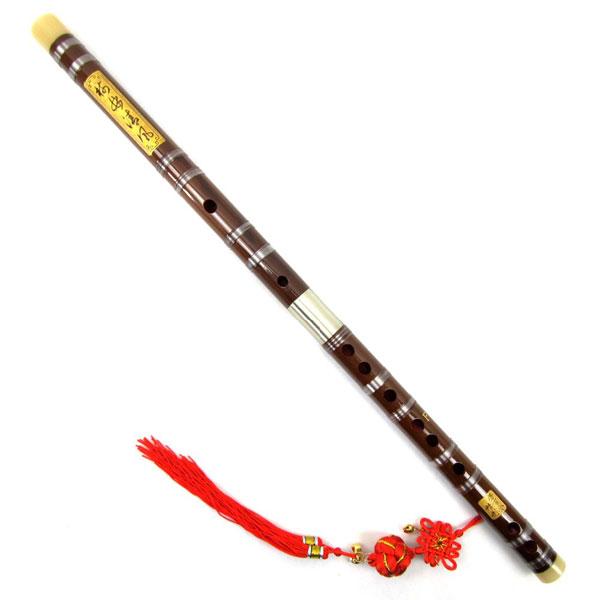 bambukovaya-flejta-na-krasnom-shnure